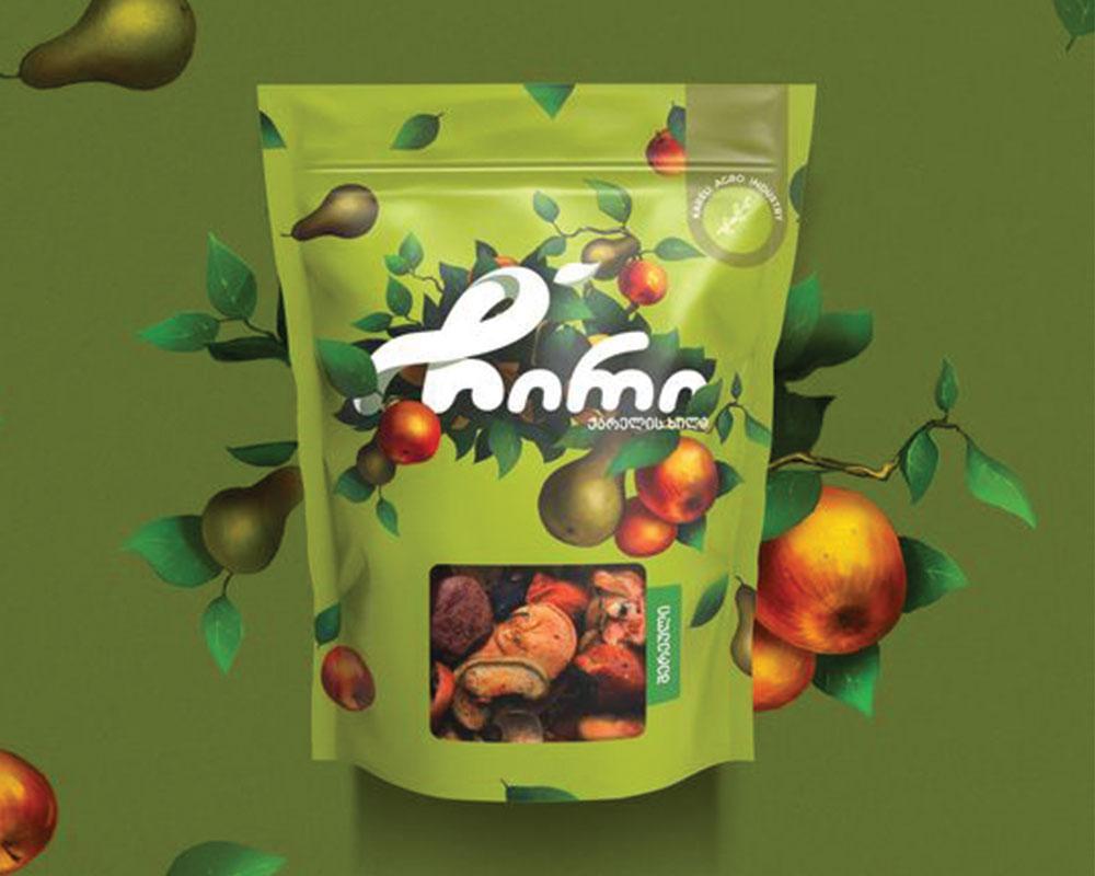 Frutos secos empaquetados en envases con ventana rectangular