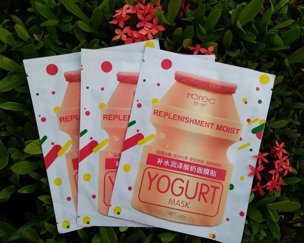 Envases de mascarilla de yogur